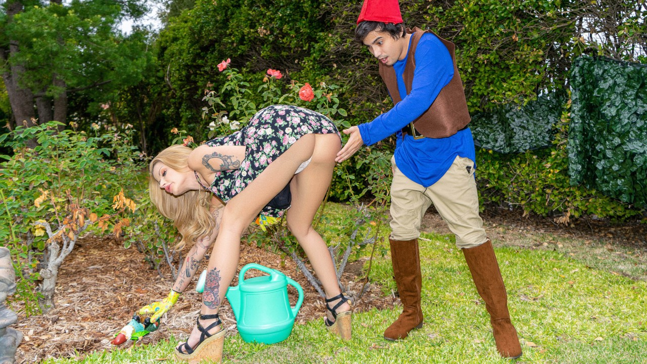 Lil Lawn Gnome (Ricky Spanish, Joslyn James) [RealityKings]
