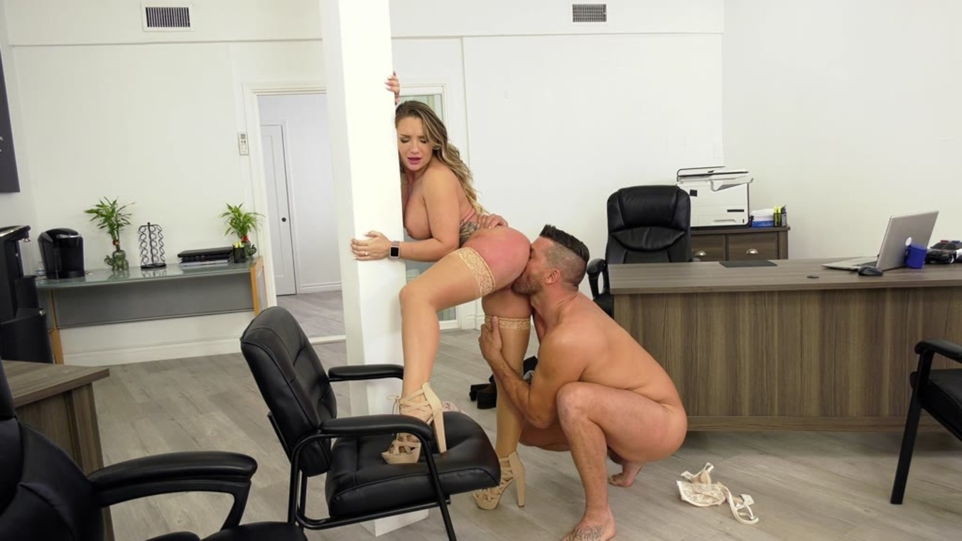 Naughty American Blonde Nympho Cali Carter Cheats On Her Hubby For Big Dick (Cali Carter, Ramon Nomar) [DDFNetwork]