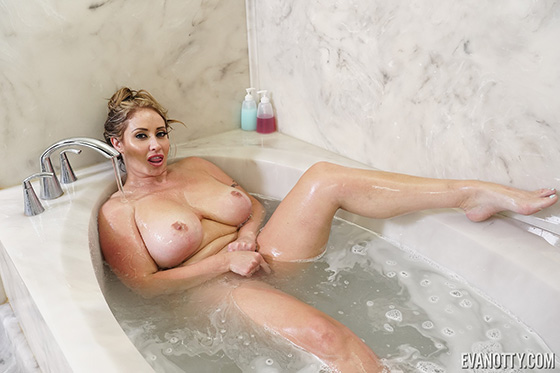 [PornstarPlatinum] Eva Notty (Dirty Girl Trying To Get Clean / 07.20.2020)