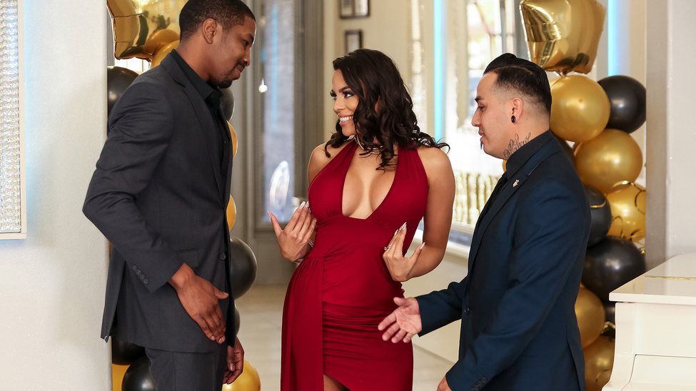 Reunited And She Looks So Good (Luna Star, Isiah Maxwell) [Brazzers]