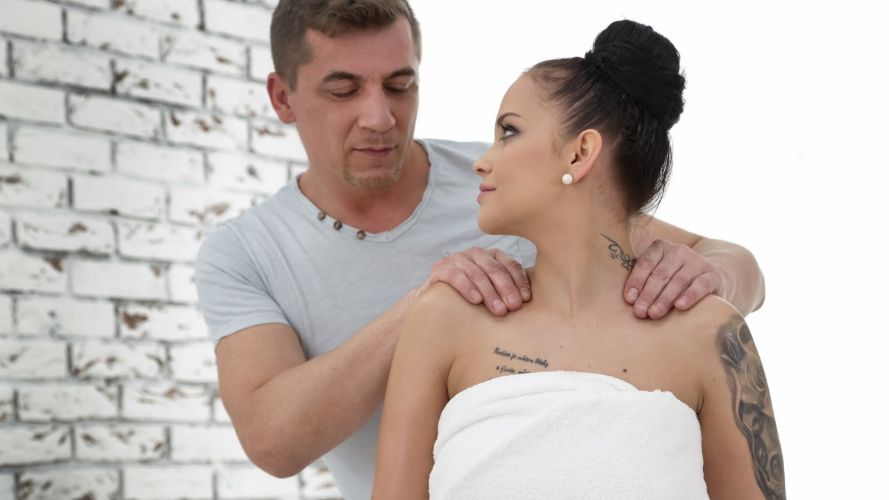 [DogHouseDigital] Jennifer Mendez, Steve Q (Full Service Massage Vol. 8 Scene 1 / 09.02.2020)