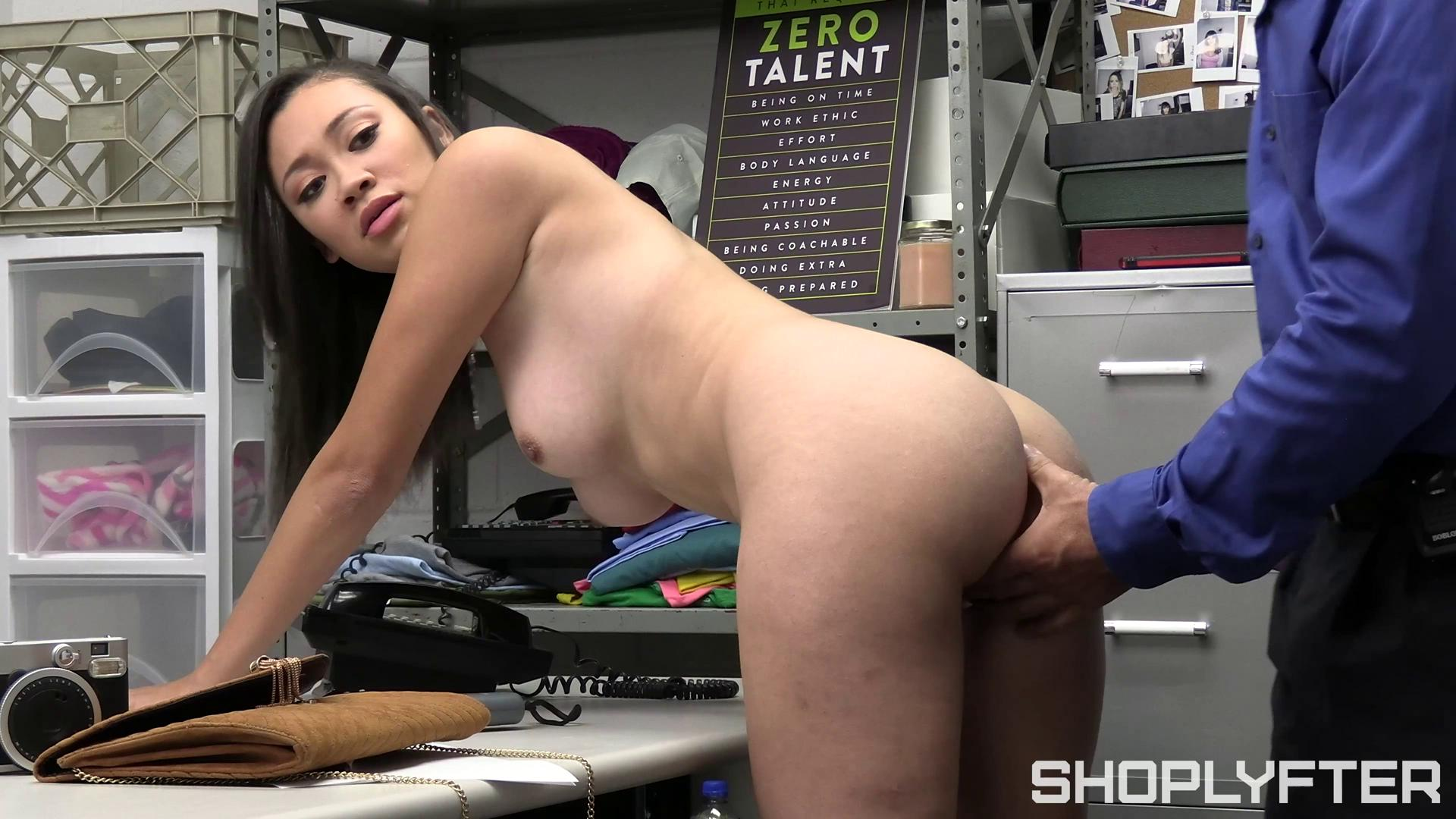 [Shoplyfter] Madi Laine (Still Got The Key / 11.11.2020)
