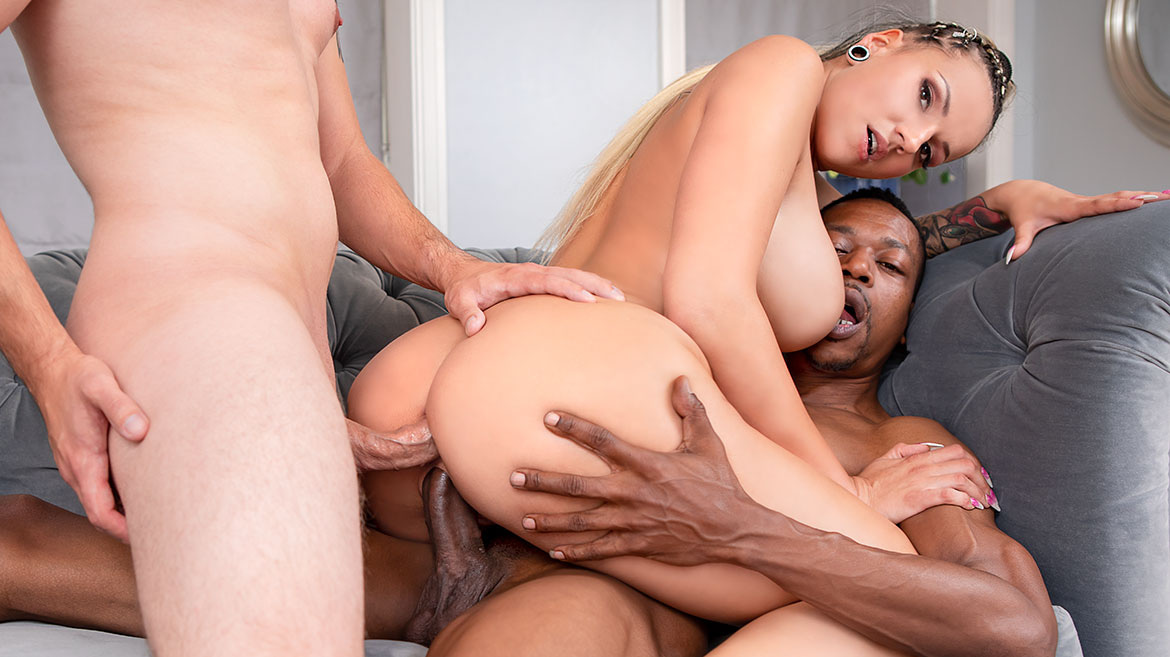 Interracial Threesome With DP (Jolee Love) [Private]