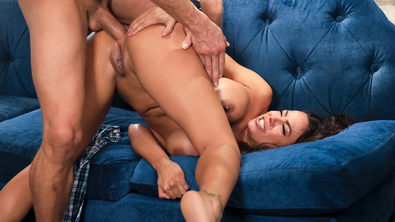 [BrazzersExxtra] Luna Star (Red Flags / 01.12.2021)