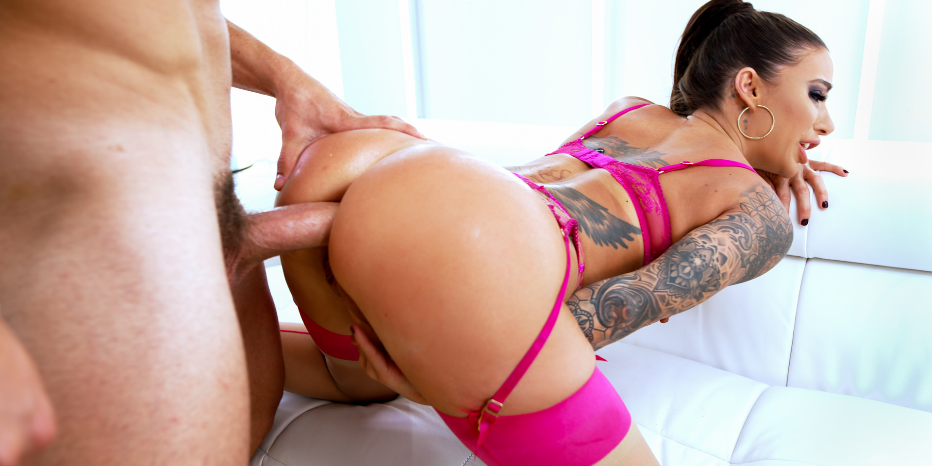[EvilAngel] Gia DiMarco (Busty, Gaping Anal MILF / 01.09.2021)