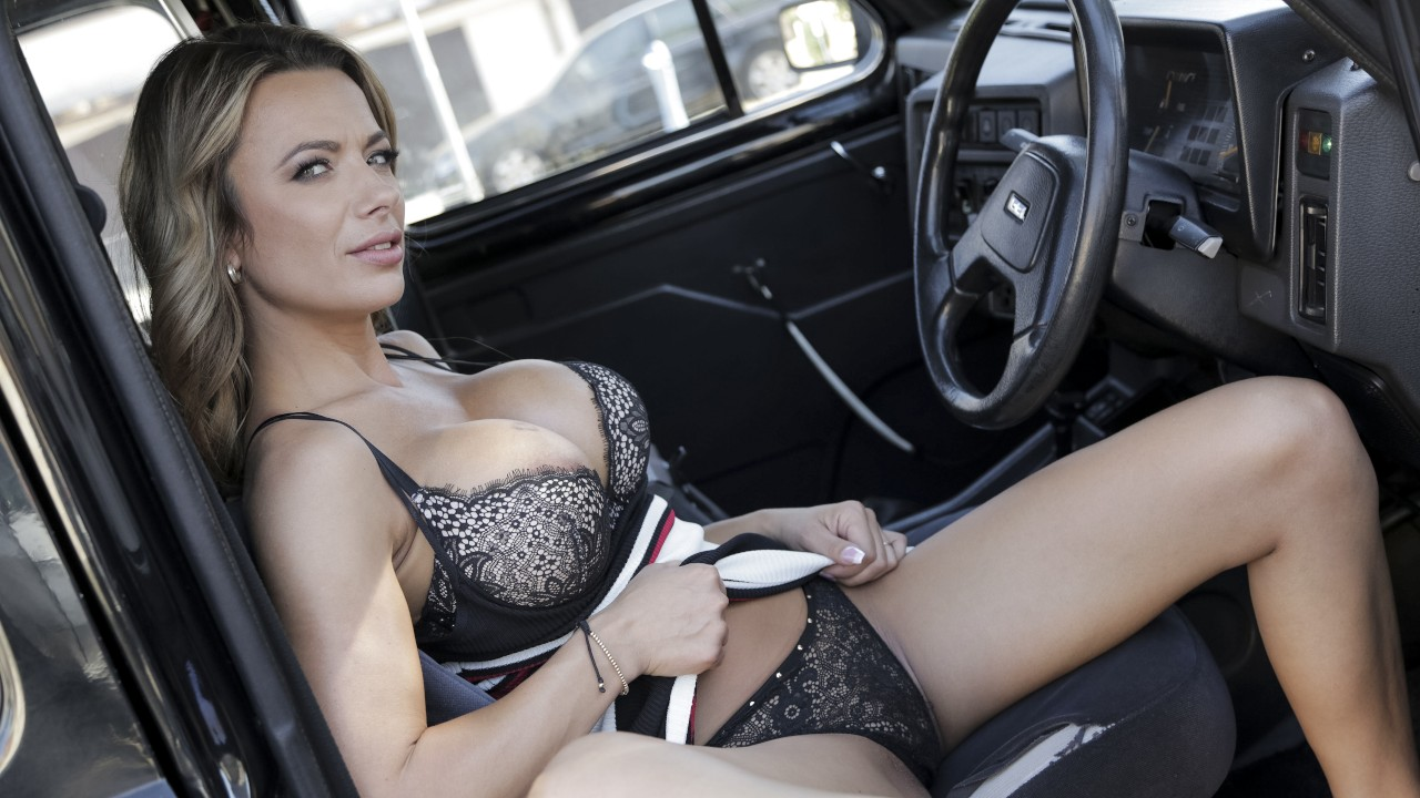 [FemaleFakeTaxi] Shalina Devine (Give Me An Orgasm For A Discount / 01.13.2021)