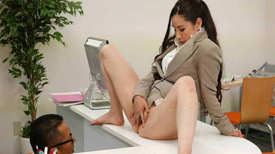 [NewOfficeLady] Ai Kamijou (New Office Lady Ai Kamijou Shows Her Pussy To Her Boss And Then Sucks His Cock / 01.23.2021)